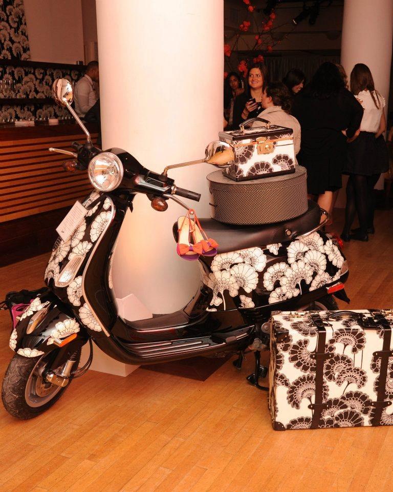 Скутеры Vespa LX50 Kate Spade
