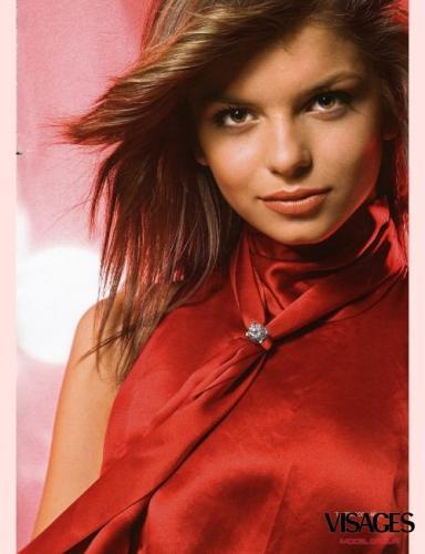 Русский боксёр Серёга Рожнов, штрихает 22 летнюю Мисс Болгария 2006