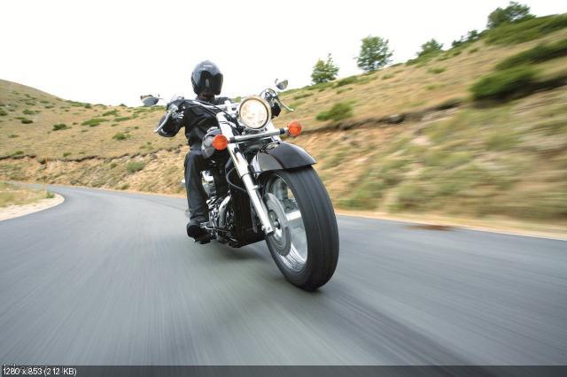 Новые цвета мотоциклов Honda VT750C и VT750C Shadow 2012