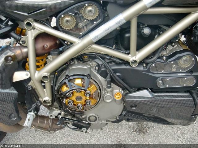 Стритфайтер Ducati 1198R