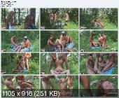 Студентики с подругой пошли в лес на пикник...