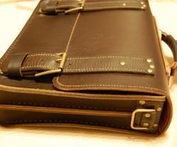 Я шью кожаные портфели, сумки, барсетки.  Шью вручную из кожи толщиной...