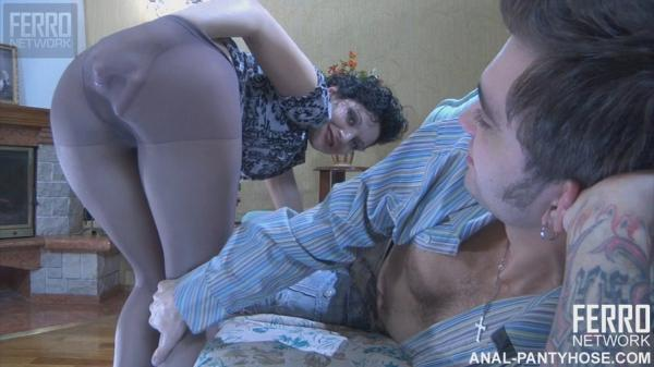 В очко, не снимая колготок! (g582, Inessa & Marcus) (17/02/2012) 720p